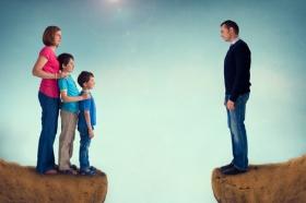 Ouderverstoting: welke schade het aanricht en wat er kan worden gedaan